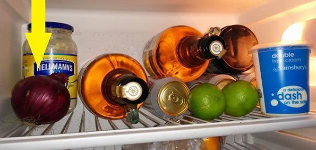 Por que não se deve guardar cebola na geladeira?