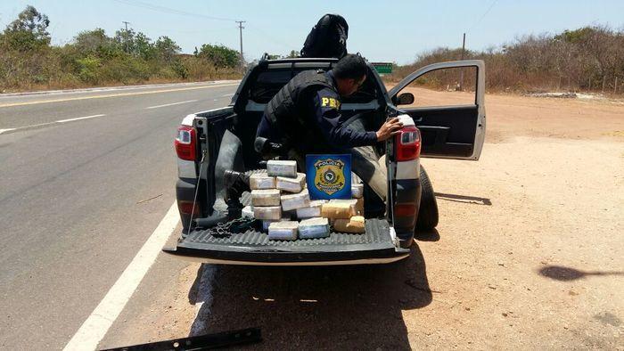 PRF apreende R$ 1 milhão em fundo falso de veículo no Piauí (Crédito: Divulgação/PRF)