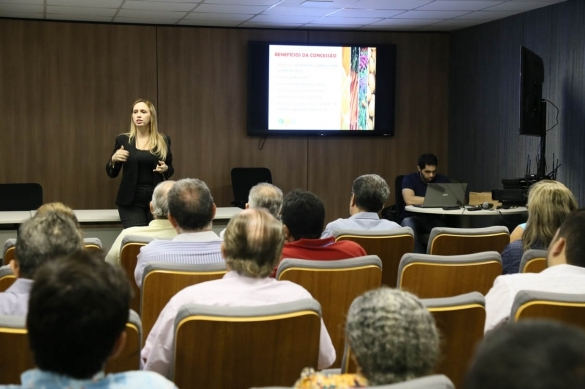 Viviane Moura comandou a reunião (Crédito: Ccom)