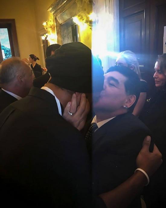 Ronaldinho Gaúcho e Maradona (Crédito: Reprodução)