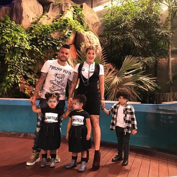 Dani Souza e família (Crédito: Reprodução)