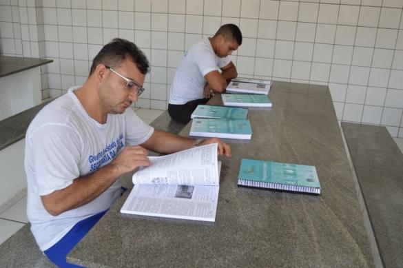 Detentos se preparam para o Enem (Crédito: Reprodução)