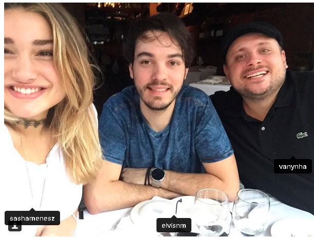 Sasha com amigos em Nova York  (Crédito: Reprodução/ Instagram)