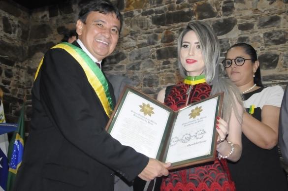Delegada Anamelka Cadena em Solenidade de Outorga do Mérito da Renascença em Parnaíba