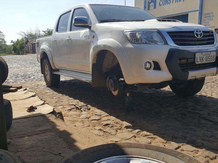 Ataque no carro do prefeito em Castelo do Piauí (Crédito: Reprodução)