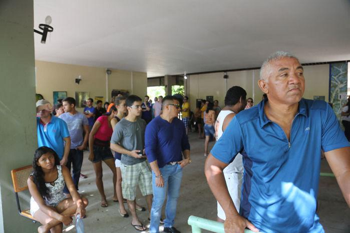 Longas filas no início da votação (Crédito: Efrém Ribeiro)