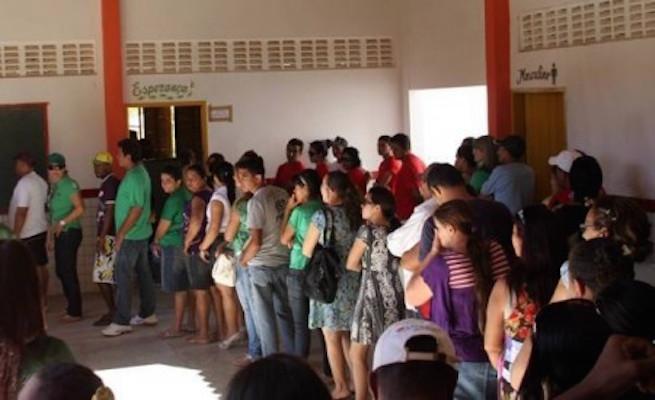 Image result for fila de votação