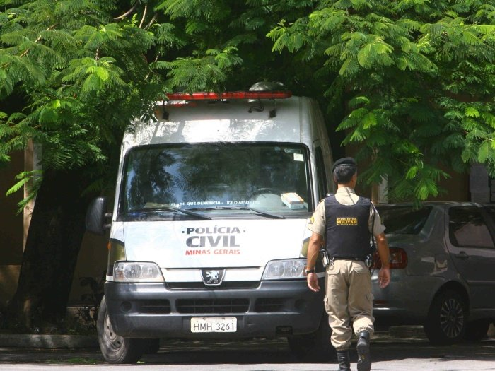 Três homens são assassinados a tiros dentro de apartamento em BH
