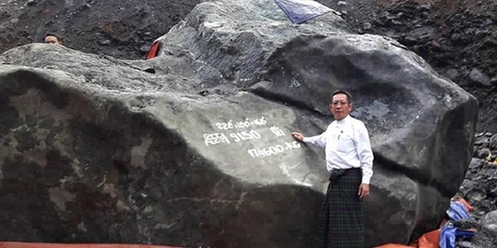 Pedra de Jade de 174 toneladas que vale milhões é encontrada