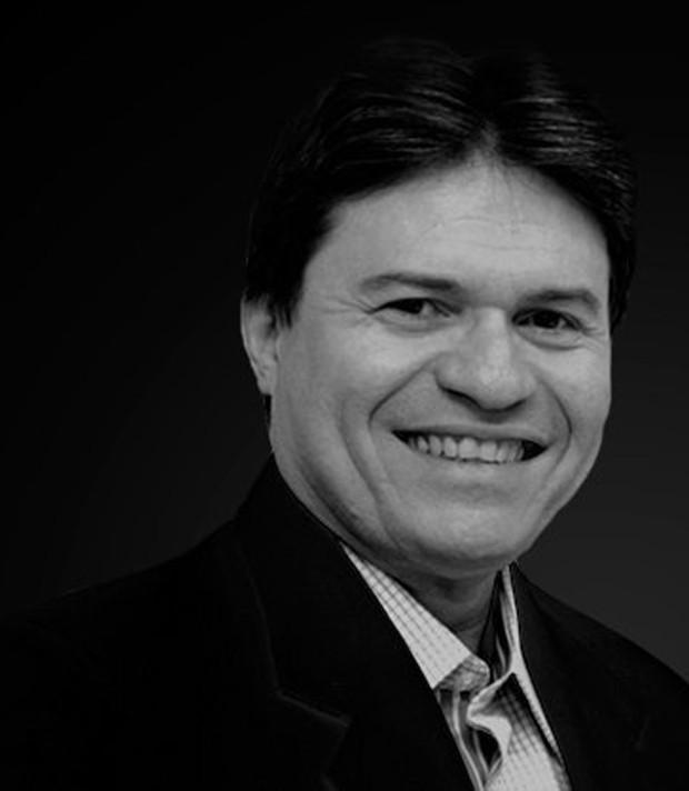 Apresentador e radialista Ênio Carlos