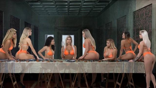 Candidatas ao Miss Bumbum reproduzem quadro da Santa Ceia (Crédito: Reprodução)