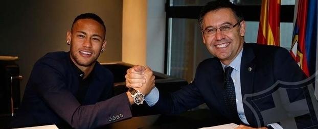 Neymar assina renovação com o Barcelona até 2021