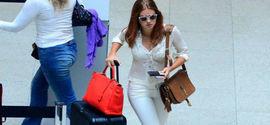 Marina Ruy Barbosa usa look de R$ 40 mil e é tietada por fãs