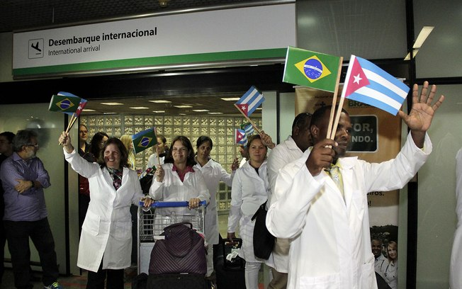 W. Dias homenageia médicos cubanos que atuaram no Piauí