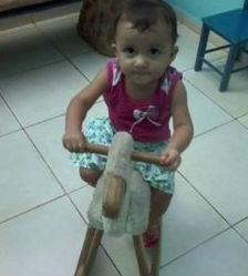 Criança morre afogada em tanquinho de lavar roupas (Crédito: Reprodução)