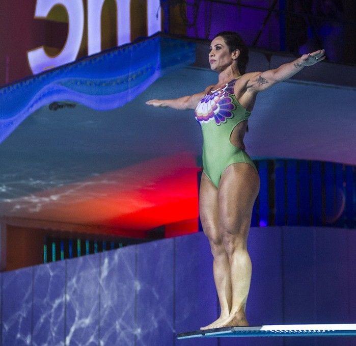 Scheila preparada para o seu primeiro salto  (Crédito: Rede Globo )