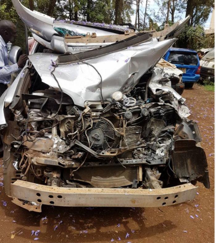 Carro do atleta ficou destruído  (Crédito: Reprodução/ Instagram)