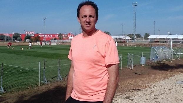 Rogério Ceni está fazendo curso de técnico e observa o trabalho de Sampaoli no Sevilla (Crédito: Reprodução)