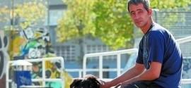 Time espanhol contrata morador de rua que vivia ao redor do estádio