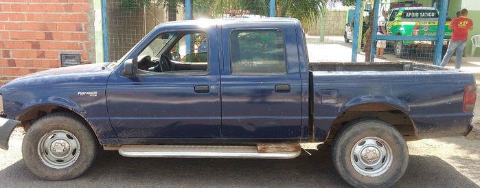 Veículo modelo Ranger recuperado pela polícia (Crédito: Divulgação/ Polícia Militar)