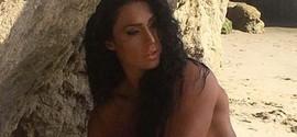 Gracyanne Barbosa posa de topless para revista americana