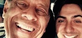 Netos de Carlos Alberto se despedem com mensagem em rede social