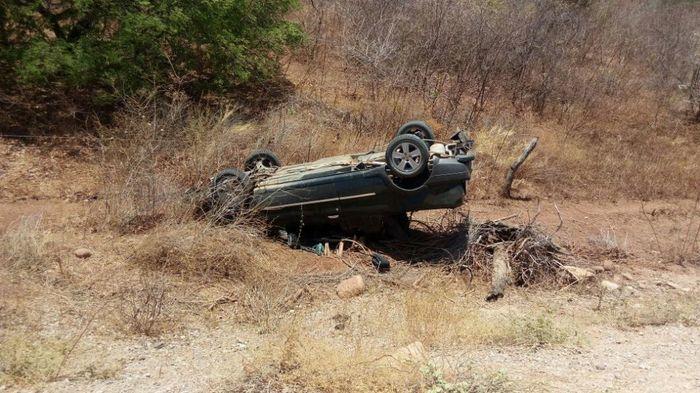 Motorista perdeu o controle do veículo que acabou capotando