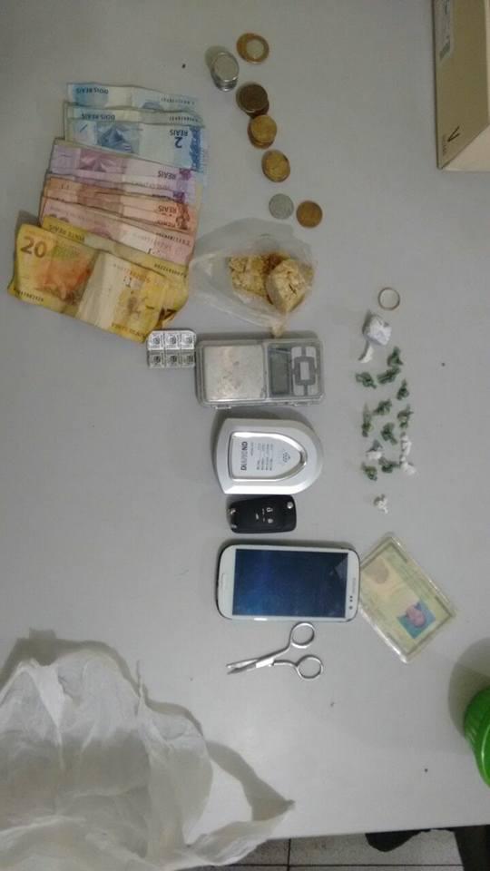 Policia prende mulher acusada de tráfico de drogas na z. Sul de THE (Crédito: Plantão Policial)
