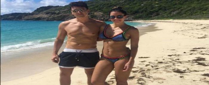 Rodrigo Faro exibe boa forma ao lado da esposa no Caribe