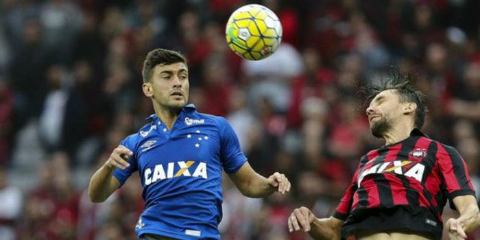 Atletico-PR vence o Cruzeiro e voltar a ocupar o G-6 no campeonato