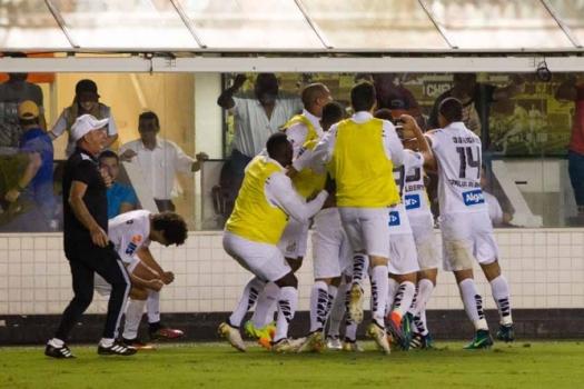 Santos vence Palmeiras na Vila Belmiro