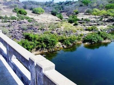Rio Poti próximo da ponte do município de Juazeiro do Piauí