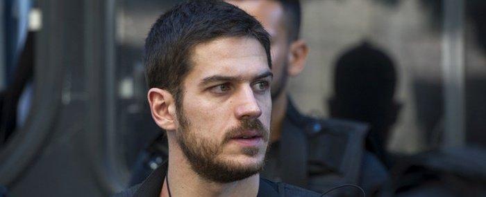Ator Marco Pigossi revela que já ficou com homens, afirma site