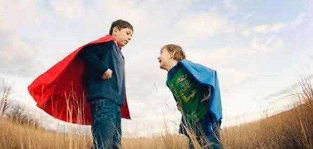 Irmão mais velho pode influenciar na sexualidade do irmão