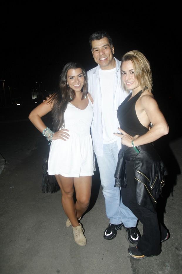 Petra Mattar, Maurício Mattar e Bianca Assumpção no Rock in Rio (Crédito: Ego)