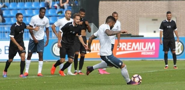 Gabigol no momento de seu primeiro gol com a camisa da Inter, de pênalti (Crédito: Reprodução)