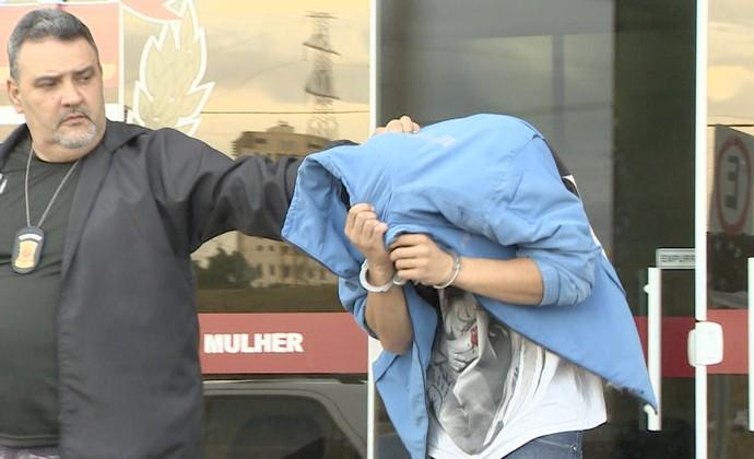 Jogador é preso por suspeita de tentar matar amante grávida em SP