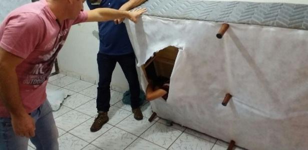 Acusado foi encontrado dentro da cama (Crédito: Reprodução)