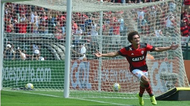 Willian Arão comemora gol do Fla; mas time não consegue golear neste Brasileiro (Crédito: Gazetta Press)