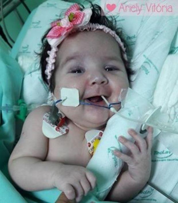 Ariely Vitória, 3 meses, fez transplante e recebeu um coração novo