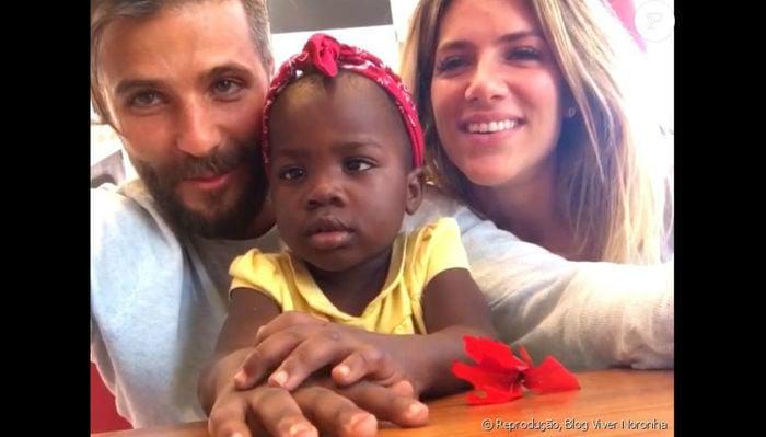Bruno Gagliasso e Giovanna Ewbank com a filhaTiti