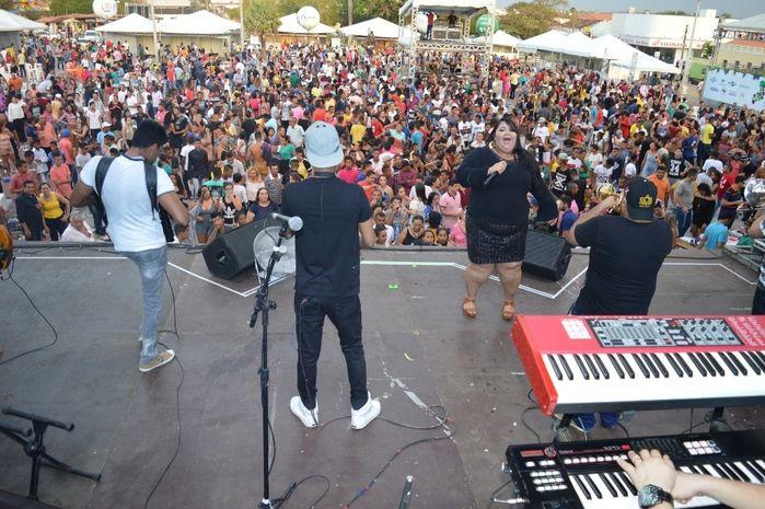 Atrações fazem sucesso no Festival da Uva em São João do Piauí