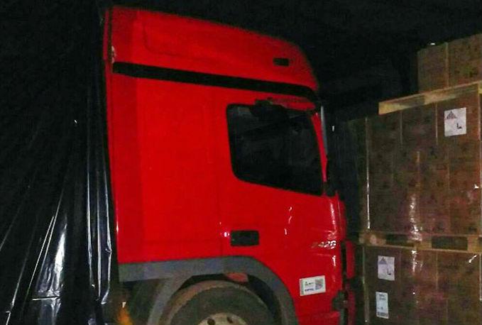 Caminhão usado pela quadrilha (Crédito: Divulgação)