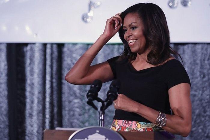 Michelle Obama é vítima de racismo em rede social