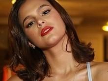 Bruna Marquezine diz ter medo de assistir série de suspense à noite