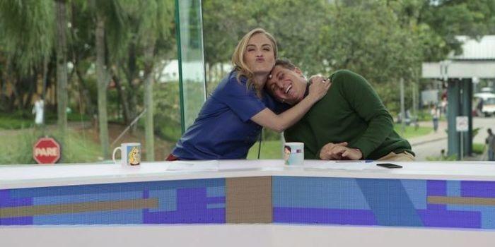 """""""Vídeo Show"""": Angélica e Huck tem DR e beijo: """"Para dar audiência"""""""
