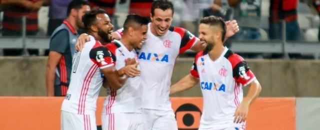 Flamengo vence o América-MG e segue vivo na briga pelo título