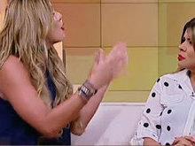 Lívia Andrade ataca Mara Maravilha no Fofocando: 'Você é chata'