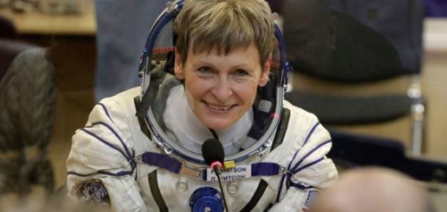 Mulher de 57 anos é a mais velha a viajar para o espaço