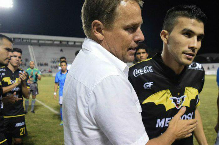Ezequiel Orozco em jogo de despedida (Crédito: Reprodução)